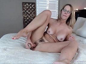 nerdy MILF porno